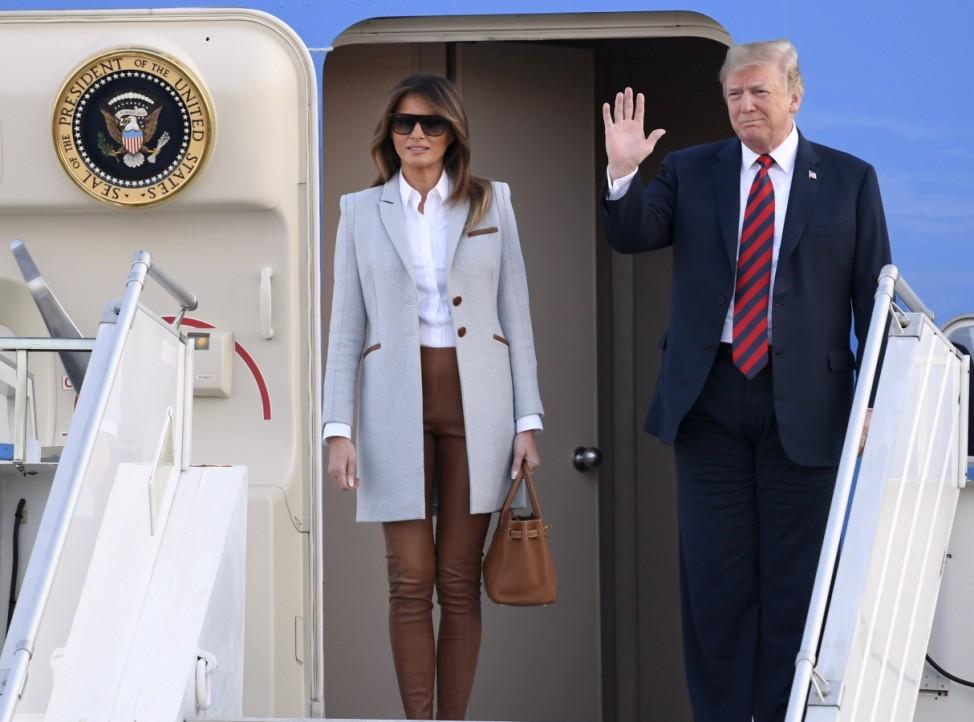 Donald und Melania Trump 2018 bei der Ankunft in Finnland