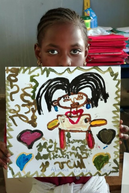 """""""Little Future"""" Projekt von Roland Günther aus Ebersberg, Kinder und Jugendliche malen, was sie sich für die Zukunft wünschen in Dakar und Ebersberg"""
