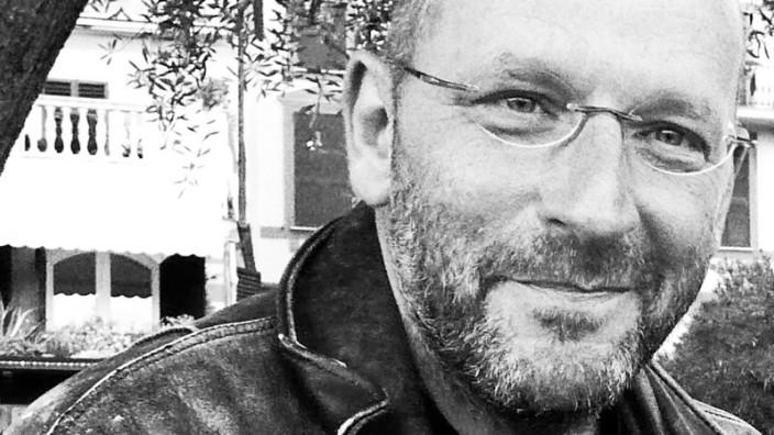 Reden wir über Geld mit Robert Schneider: Sagt von sich selbst, er sei nach dem Erfolg seines ersten Romans ein wenig übergeschnappt: Robert Schneider.
