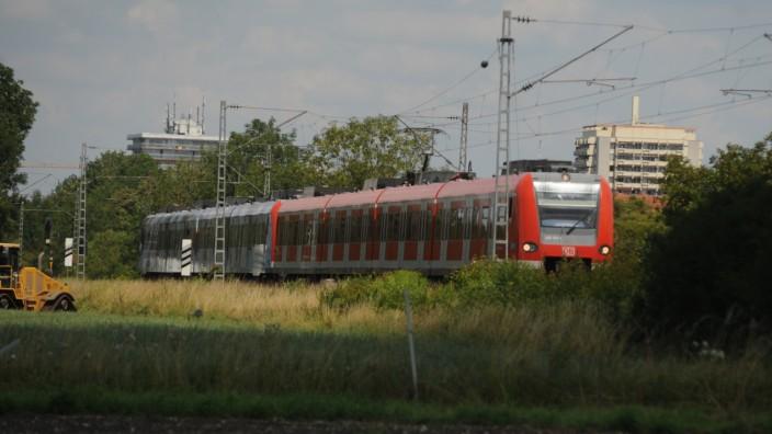S-Bahn bei Unterschleißheim