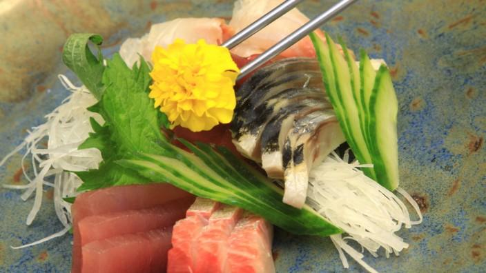 """Emiko: Im """"Emiko"""" im Hotel Louis am Viktualienmarkt können die Besucher in der Karte aus drei Kategorieren wählen: japanische Haute Cuisine, Sushi und Steaks."""
