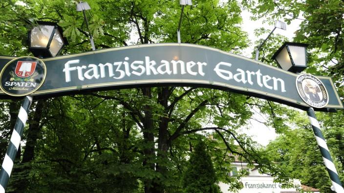Franziskanergarten Gasthof Tradition Mit Ein Bisschen Chichi Munchen Sz De