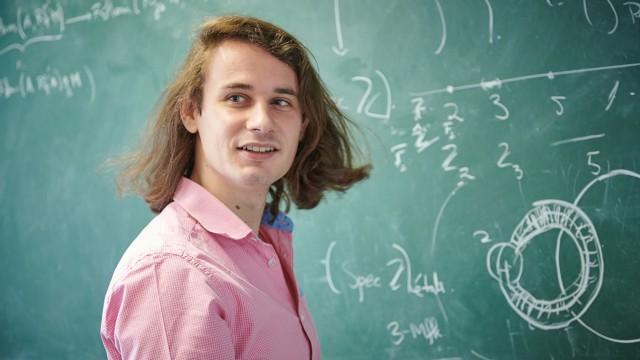Mathematiker Peter Scholze in seinem Büro im HCM in Bonn