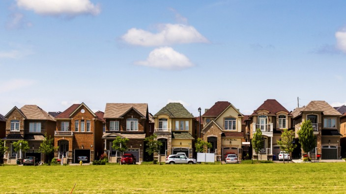 FILE PHOTO -  File photo of houses are seen in a suburb located north of Toronto in Vaughan