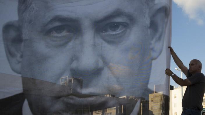 Israels Premierminister Benjamin Netanjahu auf einem Plakat