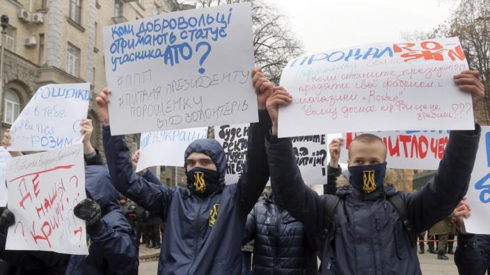 Ukraine: Demonstranten protestieren gegen die Korruption