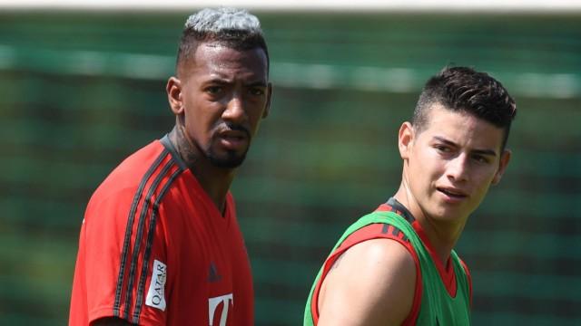 Jerome Boateng und James Rodriguez beim Training des FC Bayern