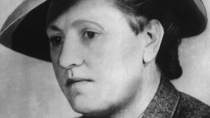 Dr. Elisabeth Selbert