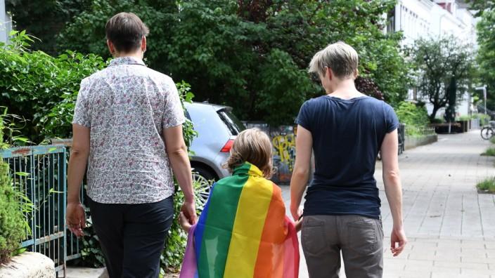 Lesbisches Paar mit Kind