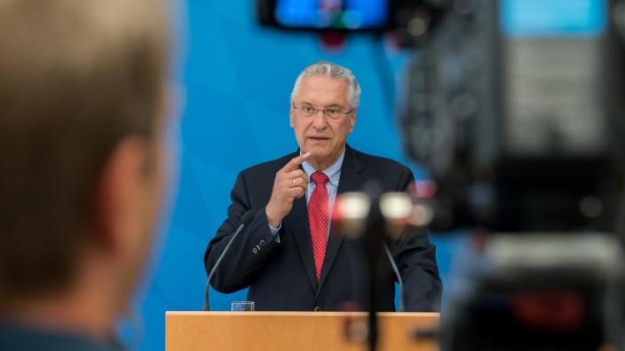 Bayern stellt Verfassungsschutzbilanz vor