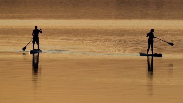 Stehpaddler auf dem Brombachsee