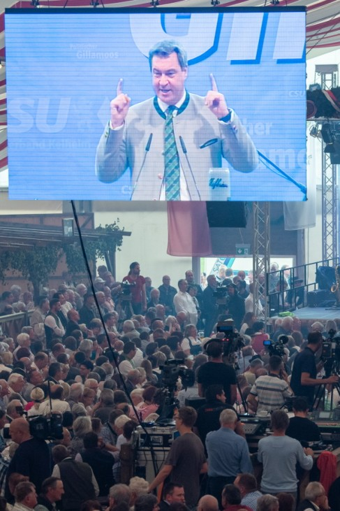 Politischer Frühschoppen auf dem Gillamoos: Ministerpräsident Markus Söder