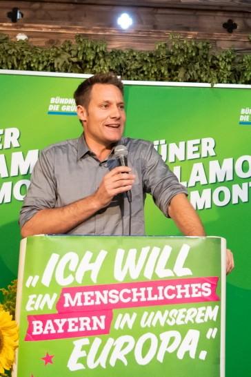 Grünen-Politiker Ludwig Hartmann spricht auf dem politischen Frühschoppen auf dem Gillamoos.