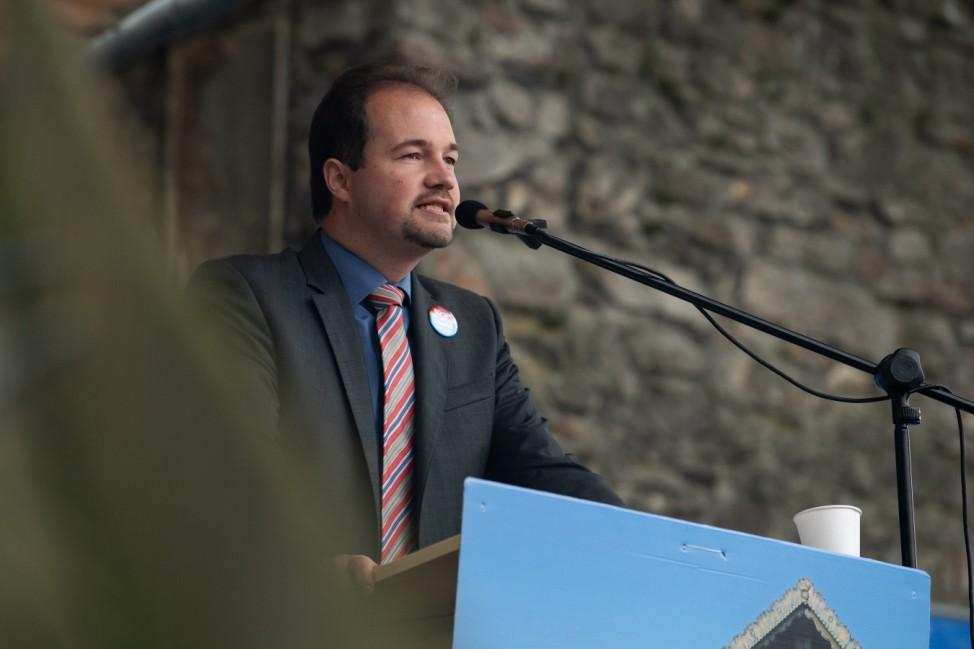 Politicians Meet At Annual Gillamoos Gathering As Bavarian Elections Near