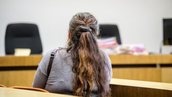 Auftakt im Prozess gegen eine Mutter wegen Drogenhandels