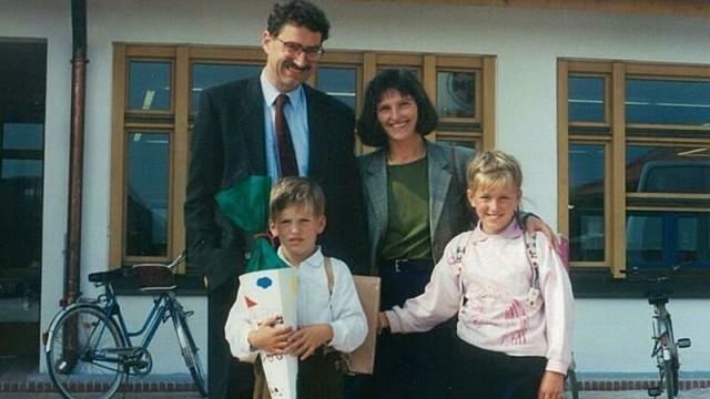 Erster Schultag: Auch bei Kirchheims Rathauschef Maximilian Böltl war die Schultüte ein Muss.