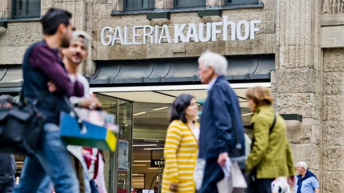 Karstadt And Kaufhof Merger Threatens 5,000 Jobs