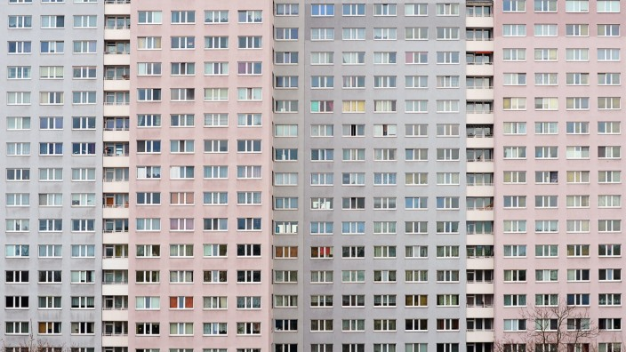 Berlin - Fassade eines Wohnblocks