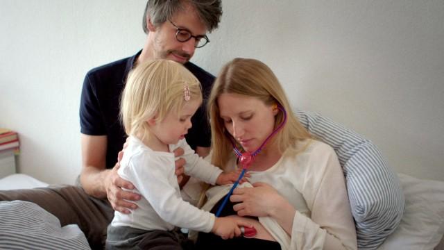 'Eingeimpft - Familie mit Nebenwirkung'