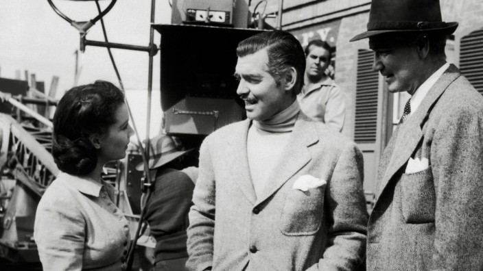 Vivien Leigh and Clark Gable with Director Victor Fleming on the set of Gone With The Wind 1939 MGM