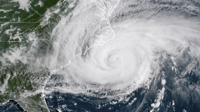 US-Küste: Hurrikan Florence bewegt sich nur sehr langsam fort, bringt deswegen aber auch mehr Regen.