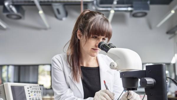Frauen technische Berufe