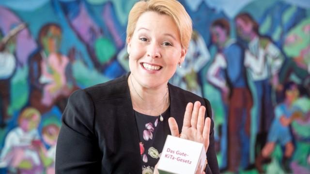 Gute-Kita-Gesetz: Franziska Giffey (SPD) vor der Kabinettssitzung