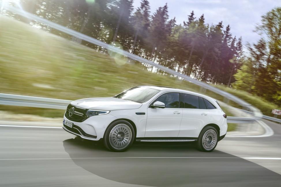 Der neue Mercedes-Benz EQC - der erste Mercedes-Benz der Produkt- und Technologiemarke EQ  The new Mercedes-Benz EQC - the first Mercedes-Benz under the product and technology brand EQ