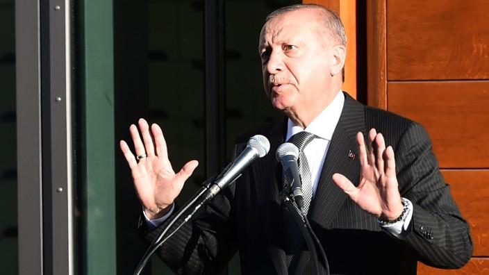 Moschee-Eröffnung in Köln: Gibt sich eher zurückhaltend in Köln: der türkische Präsident Erdoğan.
