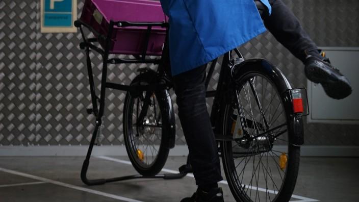 Im Münchner BMW-Werk werden schon länger Strecken mit dem Fahrrad zurückgelegt.