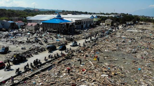 Tsunami in Indonesien - Zerstörungen auf Sulawesi