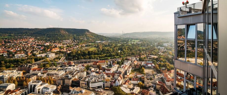 Jena von oben Aufnahmen im Herbst 2017 vom Jentower im Herzen der Stadt Blick Richtung Süden auf d