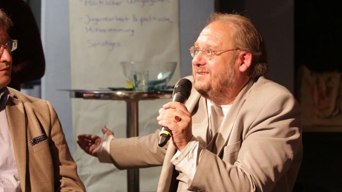 DGB-Kreisvorsitzender Guido Hoyer: Guido Hoyer, Kreisvorsitzender des DGB in Freising, tritt seit Jahren dafür ein, eine weitere Spaltung der Gesellschaft zu verhindern.