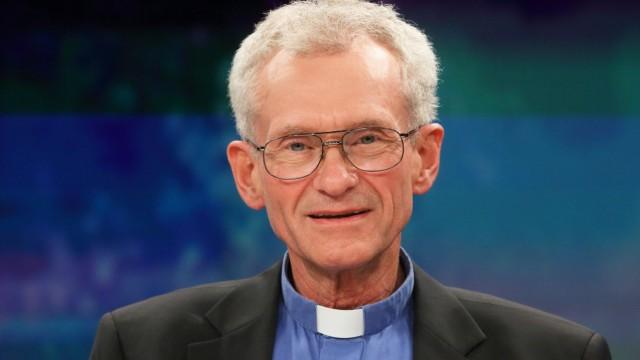 Franz Meurer Pfarrer in den Kölner Stadtteilen Höhenberg und Vingst in der ZDF Talkshow maybrit il