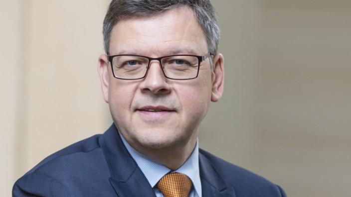 Montagsinterview: Die Steuerzahler sollen künftig nicht mehr haften müssen, wenn ein Finanzinstitut scheitert, sagt Bankenexperte Thorsten Pötzsch.