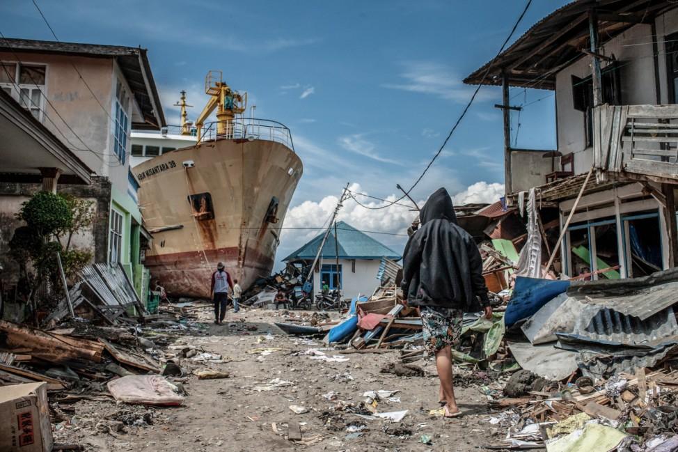 Nach dem Erdbeben und Tsunami in Indonesien