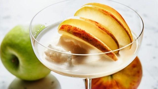 Nur für Das Rezept Apfeldrink mit Apfelsorbet von Christian Jürgens
