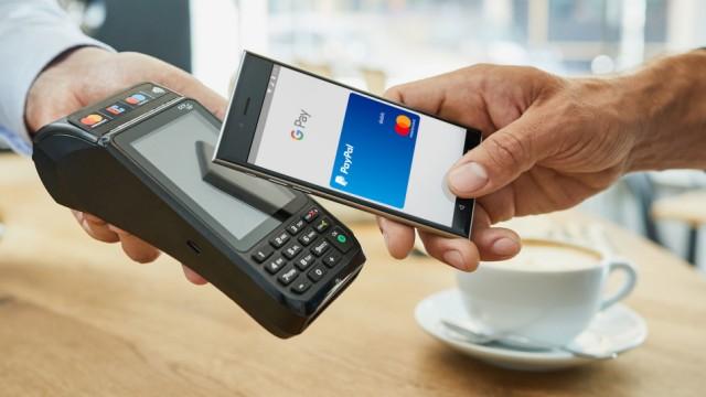 Bezahlen an der Ladenkasse mit Google Pay und Mastercard