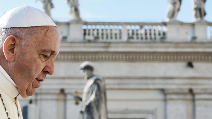 Katholische Kirche: Sollte seinen unseligen Vergleich vom Auftragsmord zurücknehmen: Papst Franziskus