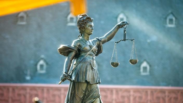 Justitia-Figur kehrt zurück