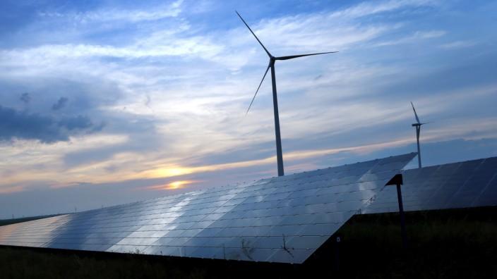 Erneuerbare Energien - Windkraft und Sonnenenergie