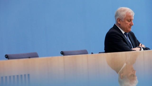 German CSU leader Seehofer analyses Bavaria election loss