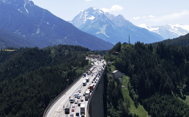 Brenner: Die Stauwelle rollt