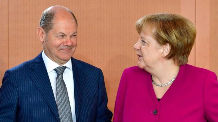 Italien und der Euro: Die italienischen Schulden sind ein Problem der Italiener - findet Finanzminister Olaf Scholz. Er zeigt sich damit als gelehriger Schüler von Angela Merkel.
