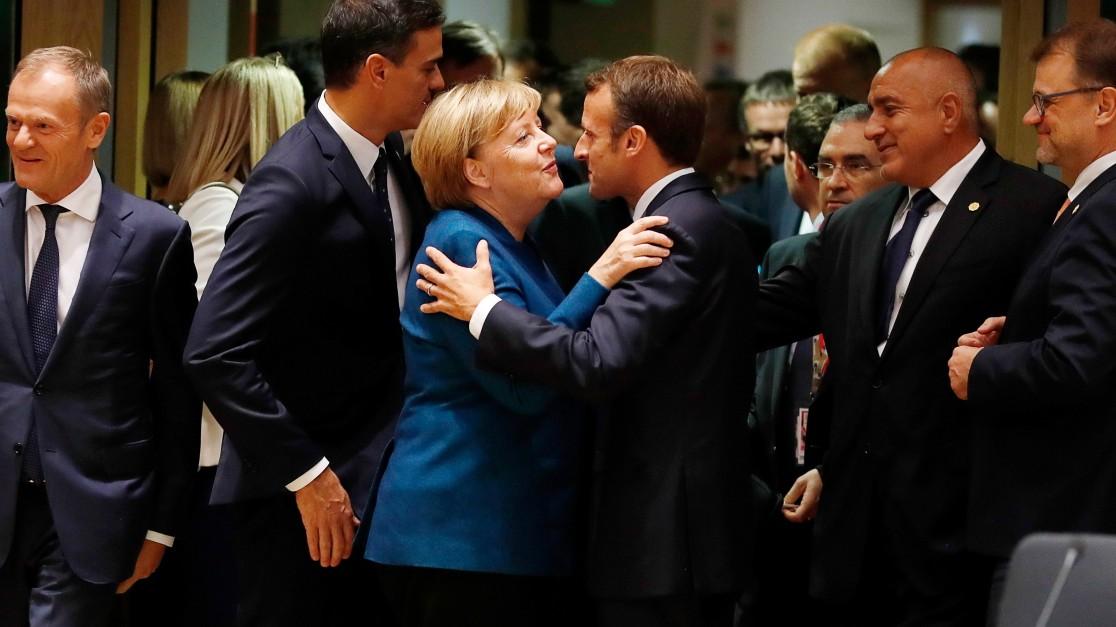 So reagiert die Welt auf Merkels Rückzug