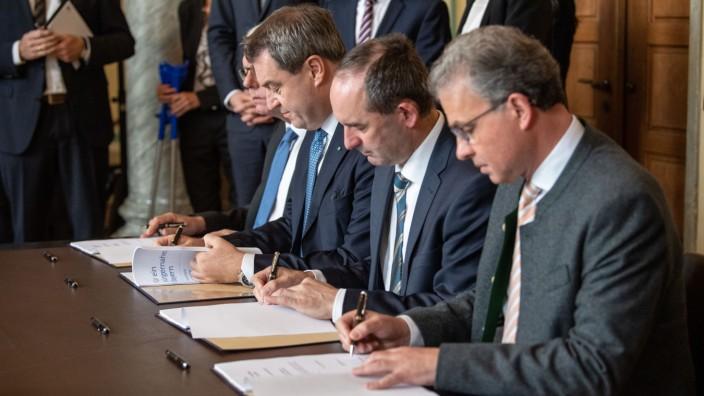Unterzeichnung Koalitionsvertrag in Bayern