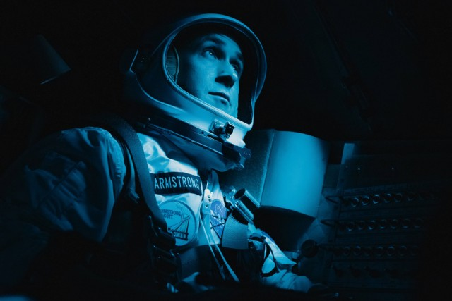 RYAN GOSLING as Neil Armstrong in First Man 2018 Universal Los Angeles CA PUBLICATIONxINxGERxSUIx