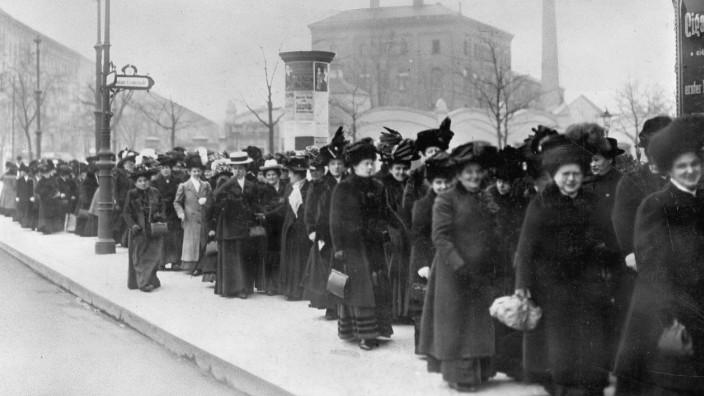 Demonstration am Internationalen Frauentag, 1911