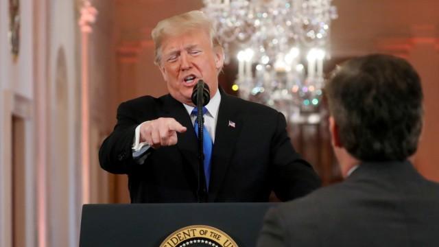 US-Präsident Donald und der CNN-Reporter Jim Acosta