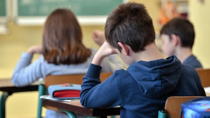 Schule - Schüler einer dritten Klasse in Brandenburg